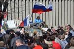 Kiev mất bình tĩnh trước phong trào ly khai, đe dọa trấn áp vũ lực