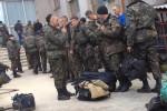 300 binh sĩ Ukraine đầu hàng, rút khỏi Slaviansk