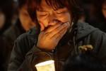 Thợ lặn Hàn Quốc vật lộn với thời tiết để tìm kiếm người sống sót