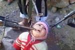 Phe Assad dùng ảnh gây sốc kiếm phiếu trước bầu cử?