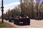 Video: Xe bọc thép, máy bay Nga dồn dập đổ về biên giới với Ukraine