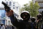 Ảnh, video: Đụng độ tại miền Đông Nam Ukraine ngày 2/5