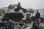Các chính trị gia Nga giục Putin điều quân tới Đông Ukraine