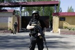 Một nhóm tay súng đeo phù hiệu Nga tấn công đồn biên phòng Ukraine