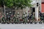 Trung Quốc biểu dương lực lượng lớn thề đè bẹp khủng bố Tân Cương