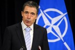 NATO: Nga lại điều vài ngàn lính tới biên giới với Ukraine
