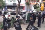 """""""Khủng bố Tân Cương"""" tấn công đồn cảnh sát, hàng chục người thiệt mạng"""