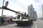 Triều Tiên điều hàng chục xe tăng, bọc thép tới biên giới Trung Quốc