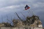 """Kiev: Xe tăng Nga đã """"san phẳng"""" một thị trấn biên giới của Ukraine"""