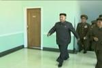 Kim Jong-un lại lộ ảnh đi khập khiễng