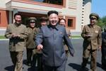 """Bí thư Triều Tiên: Kim Jong-un """"không có vấn đề gì"""" về sức khỏe"""