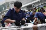 Cảnh sát Hồng Kông gỡ bỏ rào chắn gần văn phòng người giàu nhất châu Á