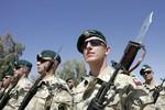 Ba Lan triển khai hàng ngàn binh sĩ tới sát biên giới Ukraine