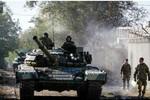 Quân đội Ukraine dùng xe tăng, pháo binh tấn công Donetsk
