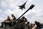 Ukraine lại cầu viện vũ khí Mỹ, EU quyết không tăng trừng phạt Nga