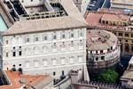 Reuters: Các cựu giám đốc ngân hàng Vatican bị đóng băng tài khoản