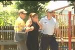 Cảnh sát Úc nghi ngờ bà mẹ trẻ đã đâm chết 8 người con, cháu của mình