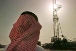 """Giá dầu thế giới liên tục giảm: """"Bàn tay đen"""" của Ả Rập Saudi?"""