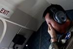 Ba thi thể nạn nhân AirAsia vẫn nắm tay nhau trên biển