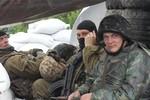 Báo Nga: Hàng vạn lính Ukraine chạy trốn khỏi chiến trường miền Đông