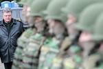 """Kiev """"xin"""" giải Nobel Hòa bình cho Poroshenko"""