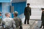 Binh sĩ Triều Tiên vượt bãi mìn thành công trốn sang Hàn Quốc