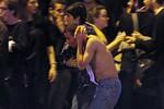 Pháp choáng váng sau một loạt vụ tấn công khủng bố đẫm máu