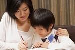 """Dạy con học khó, cha mẹ tìm """"tuyệt chiêu"""""""