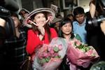 Mỹ nhân Philippines đội nón lá đến Việt Nam