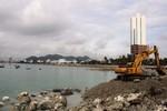 Lấp vịnh Nha Trang, công ty của ông Lê Thanh Thản bị đình chỉ thi công