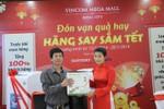Tưng bừng nhận quà đón Xuân tại các TTTM Vincom Mega Mall