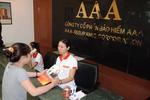 """PGĐ chi nhánh bảo hiểm AAA bị sa thải vì """"tội"""" bảo vệ khách hàng"""