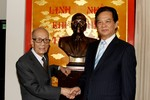 Thủ tướng mừng thọ Anh hùng lao động Vũ Khiêu