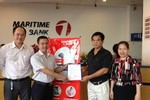 Khách hàng đầu tiên của Maritime Bank nhận ưu đãi lãi suất 0%