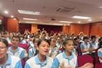 """10.000 sách đổi đời sẽ """"lăn bánh"""" đến với bạn trẻ từ Hà Nội đến Mũi Cà Mau"""