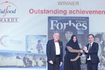 Bà Thái Hương đoạt giải Thành tựu nổi bật tại Dubai