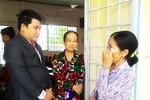"""Nhiều bà con Đồng Tháp """"mừng muốn khóc"""" khi nhận thẻ Bảo hiểm y tế từ HDBank"""