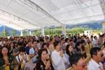 Hàng nghìn người dự lễ rót đồng tượng Quan Thế  Bồ Tát trên đỉnh Fansipan