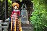 'Tận mắt' quốc phục Diễm Hương mặc thi thố HH Hoàn vũ