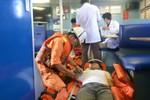 Cứu ba ngư dân bị ngạt khí gas khi đánh bắt trên biển