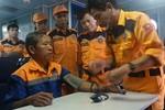 Vượt giông bão, cứu nạn tàu cá có nguy cơ bị chìm trên biển