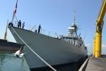 Tàu khu trục của Hải quân Canada treo cờ rủ cập cảng Đà Nẵng