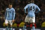Man City thua đau sân nhà, Mancini nổi đóa