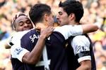 Góc ảnh: Liverpool đã biết thắng, Dzeko cứu Man xanh