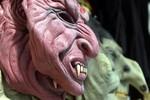 Chelsea hù dọa M.U ngày Halloween bằng mặt nạ ma quỷ