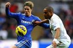 Tự bắn vào chân, Chelsea và Man City dâng ngôi đầu cho M.U