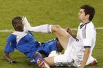 Zidane: Cha có 'thiết đầu công', con tung 'liên hoàn cước'