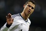 Ghi siêu phẩm, Ronaldo lại vượt qua Messi và Inzaghi