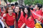 Hot girl Việt nô nức đón huyền thoại Schmeichel