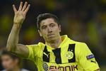 """Mourinho khuyến khích học trò """"đốn hạ"""" Lewandowski"""